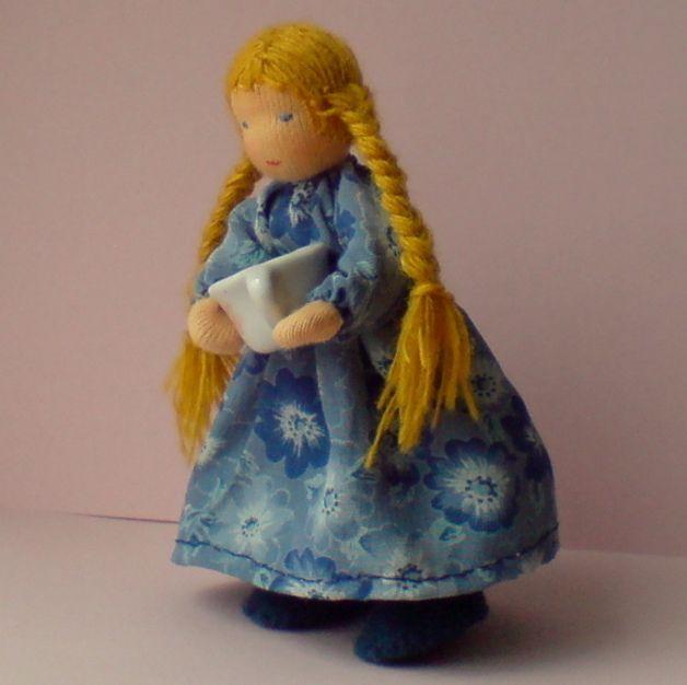 Puppen - Biegepuppe Goldhaar 10,5 cm - ein Designerstück von Farbenmaerchen bei DaWanda