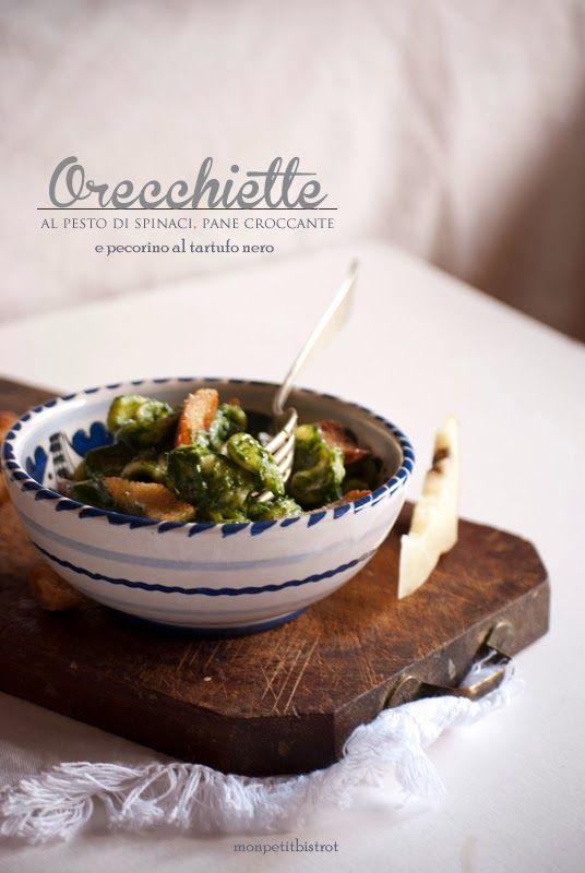 Orecchiette con pesto di spinaci, pane croccante e pecorino al tartufo