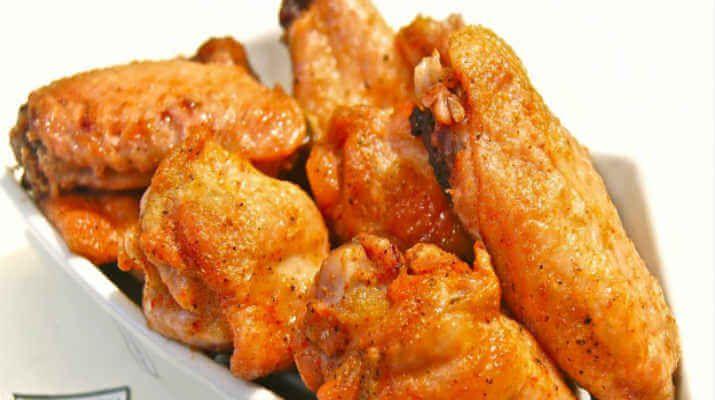Куриные крылышки в остром соусе