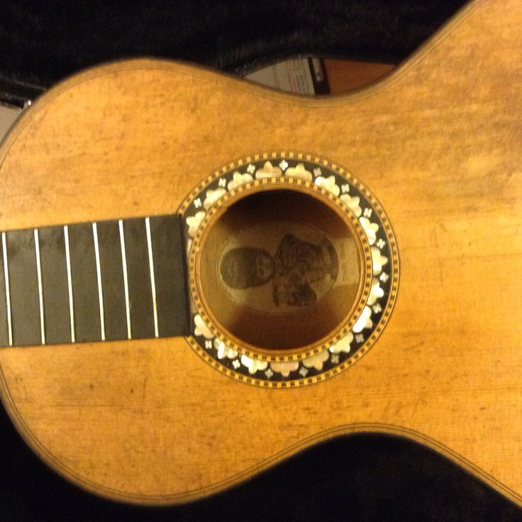 German guitar circa 1820 from the Romantic Period. Awaiting restoration.