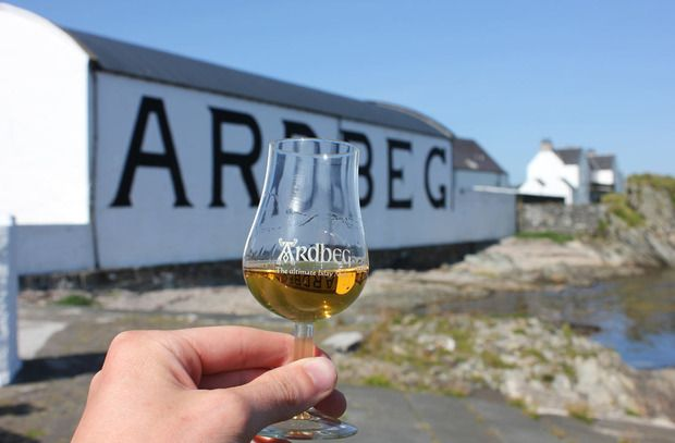 Ardbeg Islay Single Malt Whisky