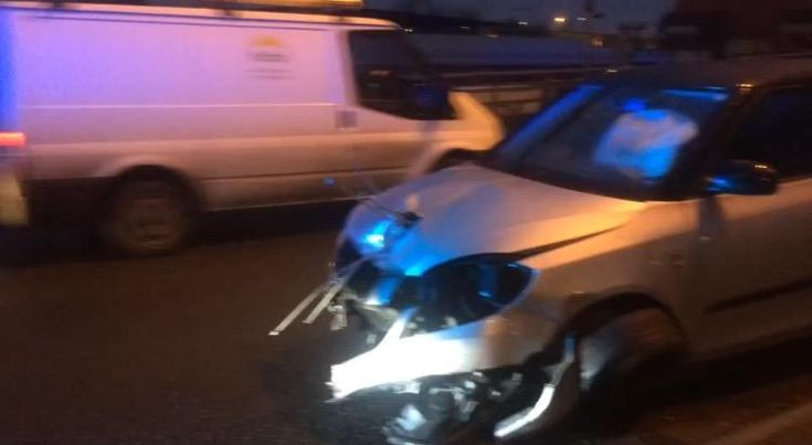 Car crash in Cardiff city centre causes rush hour delays WalesOnline - 3 hours ago  A car crashed through barriers in Cardiff city centre, causing disruption to rush hour drivers. One lane was blocked on the exit slip road of the roundabout under the Cardiff Link road, between the city centre and Splott.   #ZincLegal #RoadTrafficAccident