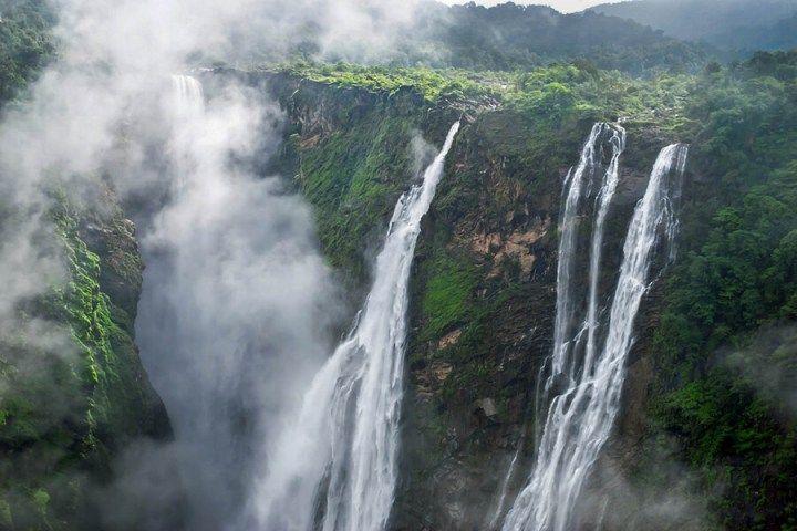 Jog Falls in India. The second highest waterfall in India! See more of the best waterfalls in Asia on Avenlylanetravel.com https://timetogetone.myshopify.com/