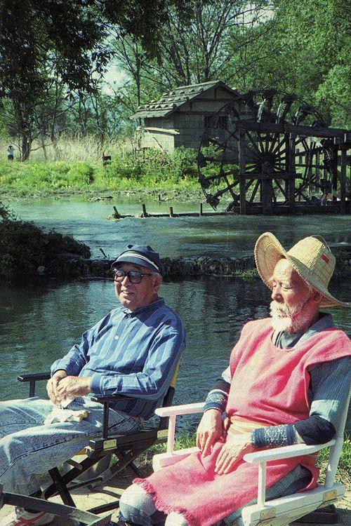 Akira Kurosawa and Chishu Ryu on the set of Dreams.