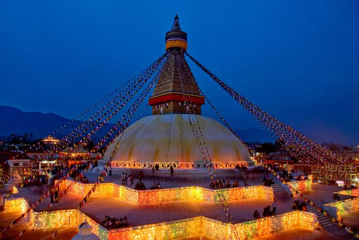 Boudhanath Stupa is one of the largest stupa in the world occupying an area of 7 kilometer. Hurry Up for exciting discounts on tour packages in Nepal!!!