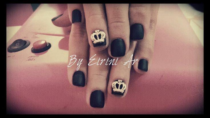Matte black crown 3d gel