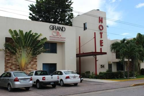 Grand City Hotel Cancun (Avenida Yaxchilan, 154) Grand City Hotel Cancún is located in central Cancun, less than 10 minutes' drive from the beach. It offers gardens with an outdoor swimming pool and rooms with free Wi-Fi. #bestworldhotels #hotel #hotels #travel #mx #cancun