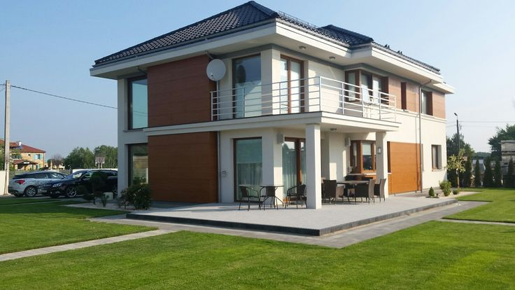Widok domu od strony ogrodu #architektura #ogród #willa