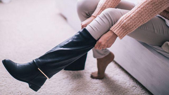 ブーツがむくみで入らないあなたへ。むくみ解消のツボマッサージ|Kampoful Life | クラシエ