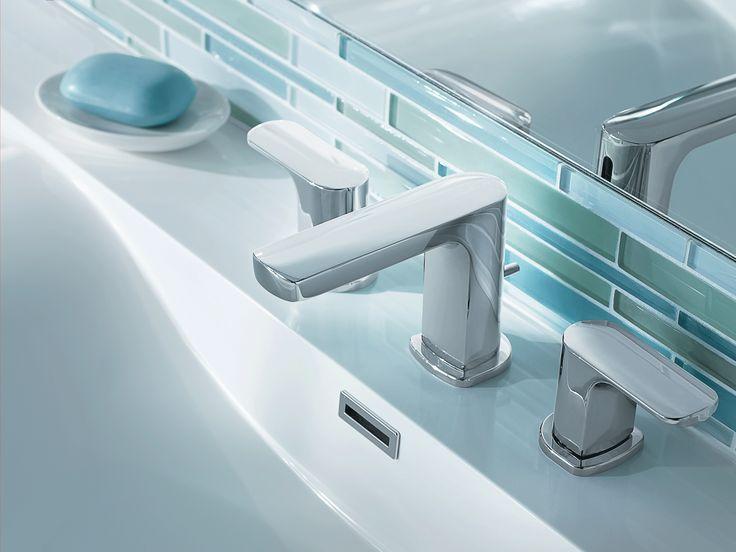 Robinet de salle de bain chrome à deux poignées à petite arche.