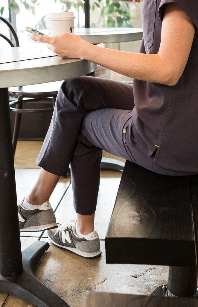 Women's Fizi Skinny Scrub Pants-Charcoal