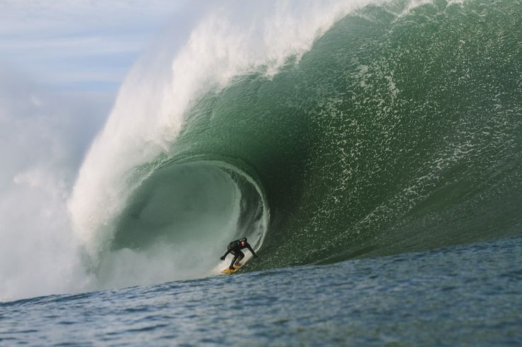 Surfing Ireland HD image by Bastien Bonnarme