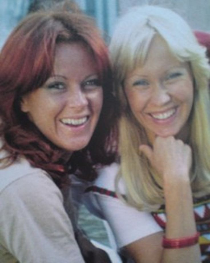 """ABBA posing in the parc of Drottningholm Palace in Stockholm. An alternate pic was used for the single sleeve of """"The Name Of The Game"""".The recordings were for the film """"ABBA The Movie"""" in 1977. ƸӜƷ"""