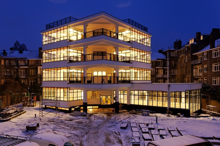 Eerste Openluchtschool voor het Gezonde Kind in Amsterdam.  Steel Windows