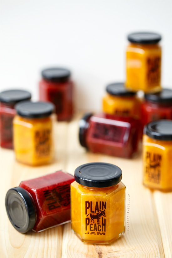 Homemade jam doesn't have to be boring. Download these funny (and FREE!) printable labels for Plain A$$ Peach and Plain A$$ Strawberry Jam (plus the recipes to make your own!)