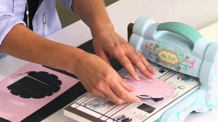 Using the Silicone Rubber Pad to Emboss