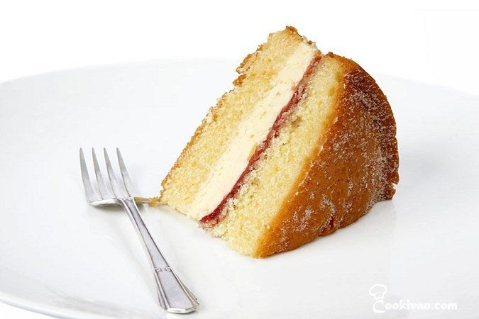 Бисквитный торт с винным кремом.