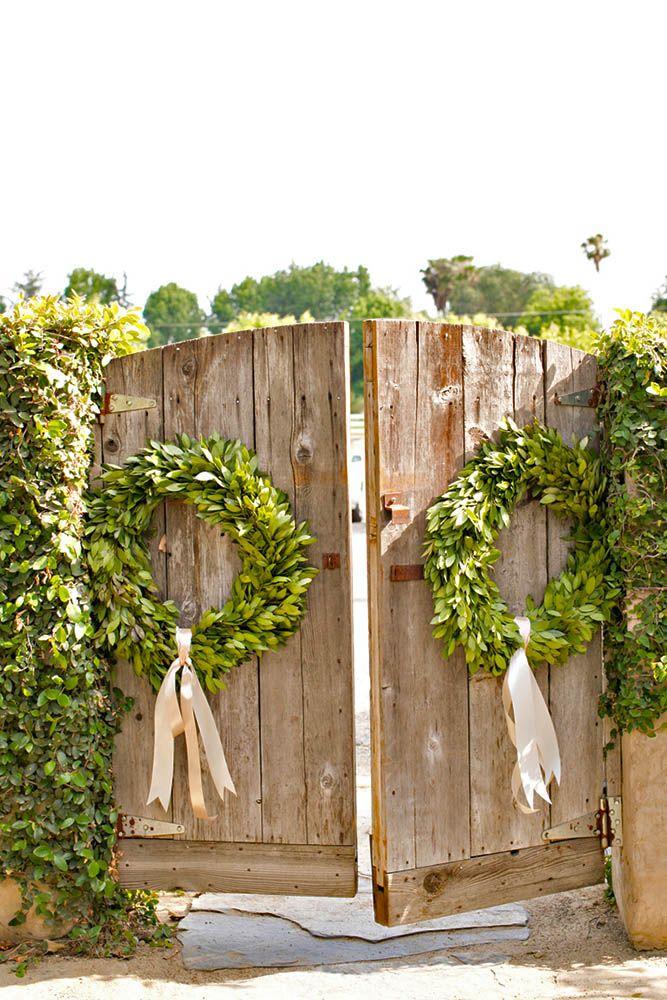 Best 25+ Old doors wedding ideas on Pinterest | Outdoor wedding doors Vintage outdoor weddings and Vintage wedding backdrop  sc 1 st  Pinterest & Best 25+ Old doors wedding ideas on Pinterest | Outdoor wedding ... pezcame.com