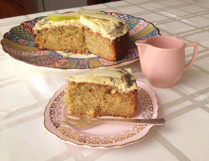 Birdseedtweet Blog: Pear and Poppy Seed Cake GF