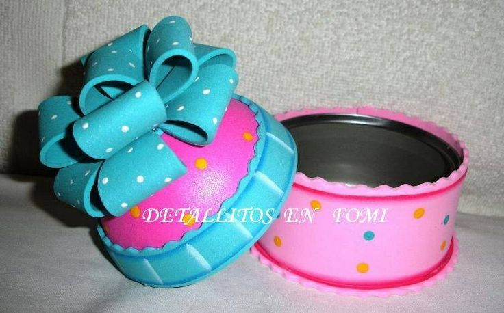 Cupcake lata botes decorados con foami pinterest cupcake for Botes de cocina decorados con goma eva