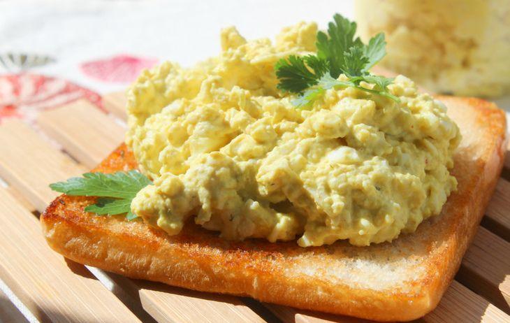 Яичная паста с сыром (для бутербродов)