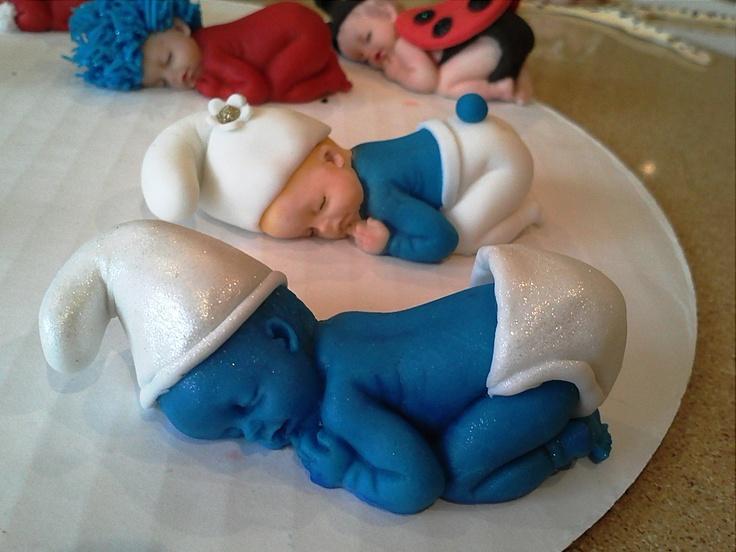 gum paste baby Smurfs cake decoration