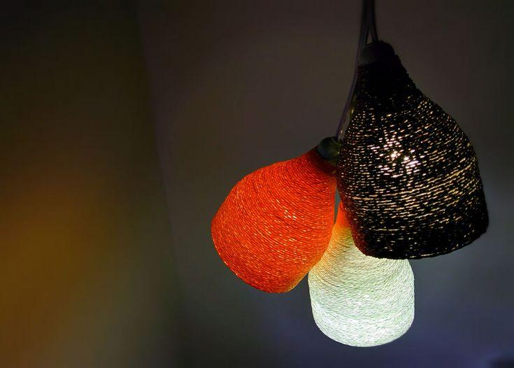Lámpara colgante hecha con una botella de plástico   http://secreter.es/lampara-colgante-hecha-con-una-botella-de-plastico/