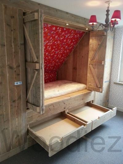 Bekijk de foto van skittle met als titel bedstee onder schuin dak en andere inspirerende plaatjes op Welke.nl.