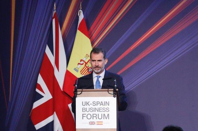 """El Rey reclama seguridad sin trabas para las empresas españolas tras """"brexit"""""""