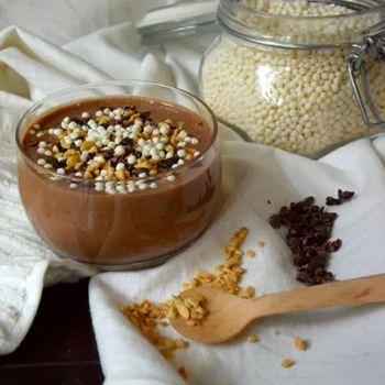SNICKERS SMOOTHIE 2.0 Hoewel het vaak opgaat dat je een winning recipe niet moet changen, vond ik het tijd voor een geüpdatete versie van mijn op zich in eerste instantie al redelijk briljante Snickers smoothie. Gaat dat maken! x Claartje .