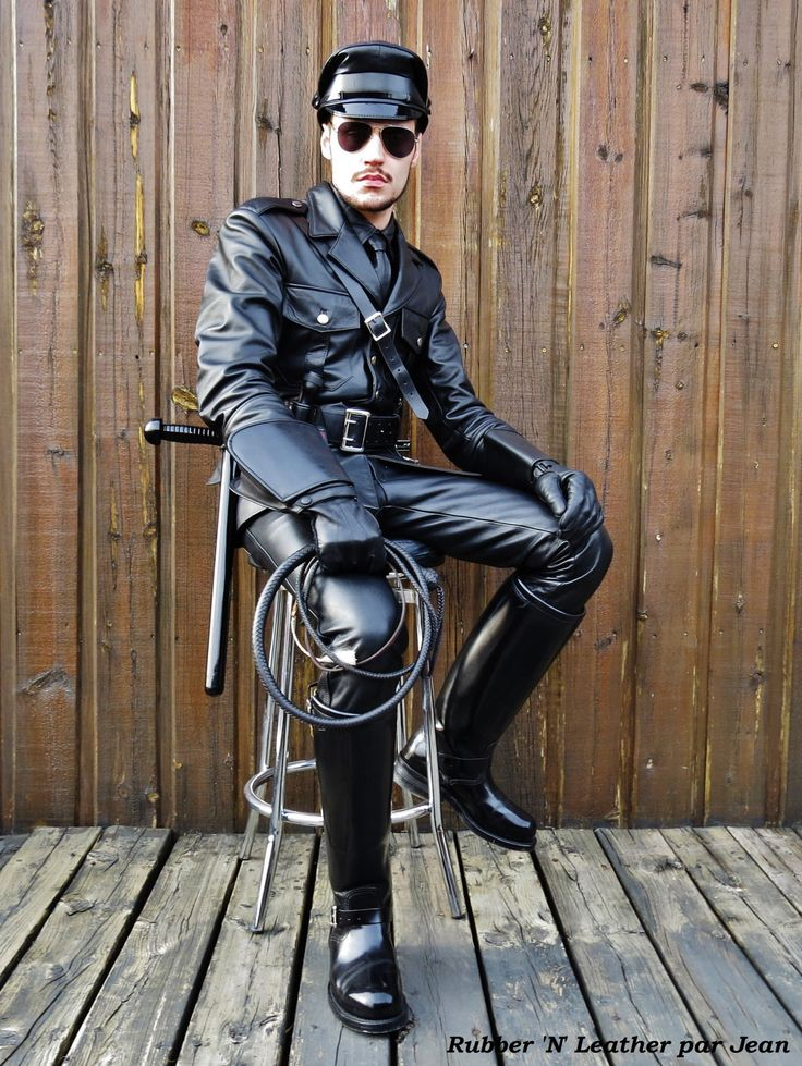 Leather Gay Master 39