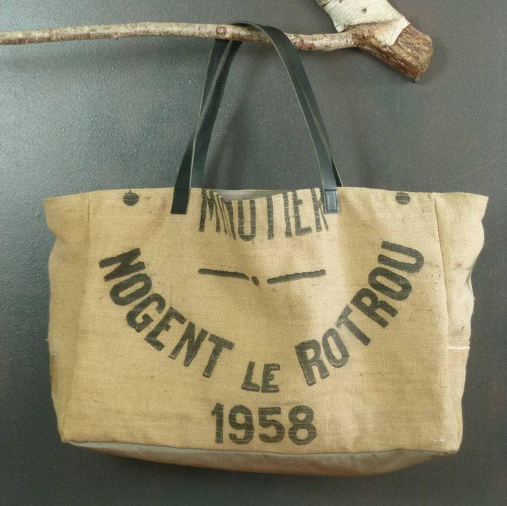 Panier cabas de plage très grande taille toile de jute (recyclage de sacs à grains anciens) pièce unique artisanat France de la boutique MADEinPERCHE sur Etsy