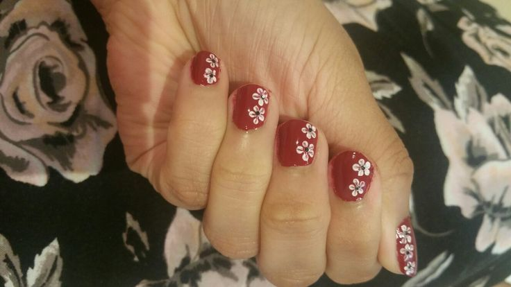 Short nails #paintitRed #flowers