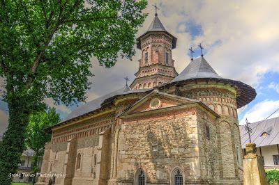 Neamt Monastery is located in Vanatori village, at 15 km north-west from Targu Neamt in a place near the brook Nemtisor, surrounded by green hills. https://greattimesphotography.blogspot.ro/2016/09/neamt-monastery.html