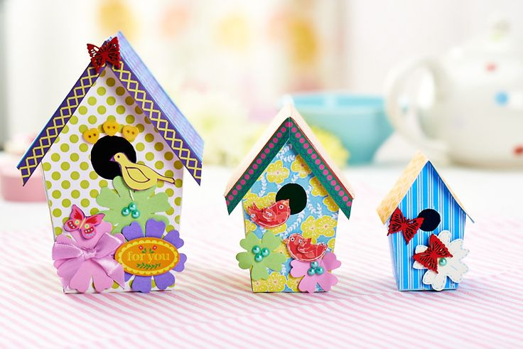 PaperCrafter issue 60 not only includes the instructions you'll need to make these wonderful paper #birdhouses but all the materials too! #papercraft
