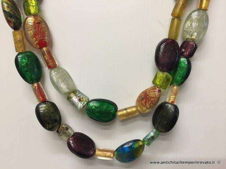 Gioielli e bigiotteria - Collane - Antica collana di murano con grandi perle Collana con grandi perle con inclusioni - Immagine n°1