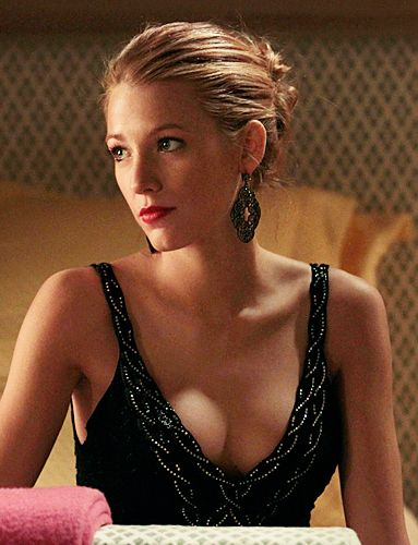Serena van der Woodsen (Blake Lively) wears a Ralph Lauren dress and Badgley Mischka earrings.