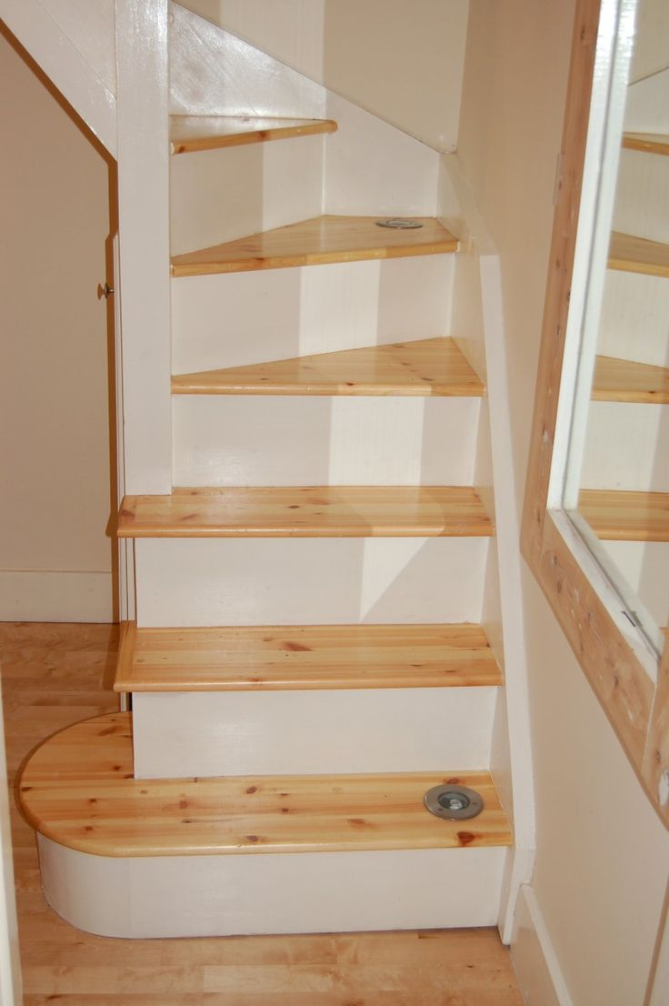 Narrow space saving stairs