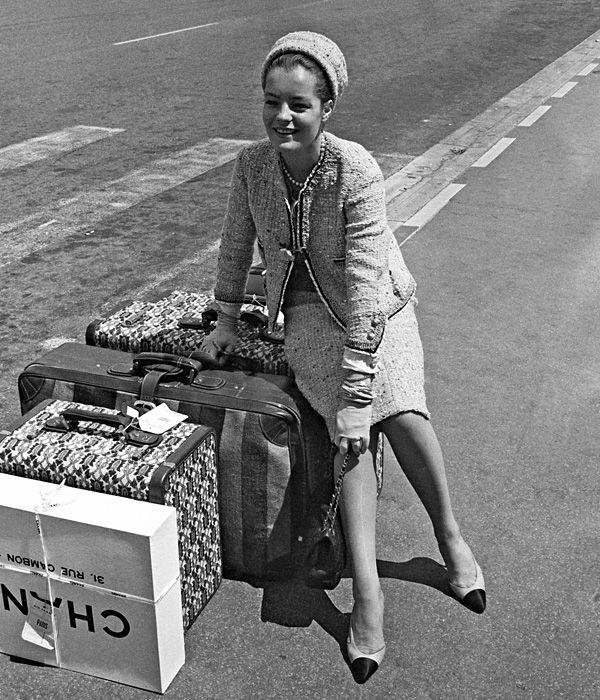 Romy Schneider im Chanel Kostüm