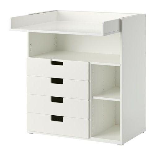 IKEA - STUVA, Table à langer 4 tir, blanc, , Cette table à langer grandit en même temps que votre enfant et se transforme facilement en bureau ou en surface de jeu. Abaissez la partie supérieure pour la transformer en bureau.Espace de rangement pratique à portée de main qui vous permet de toujours garder une main sur votre bébé.Ajustez l'espace en fonction de vos besoins grâce aux petites tablettes réglables à la hauteur souhaitée.