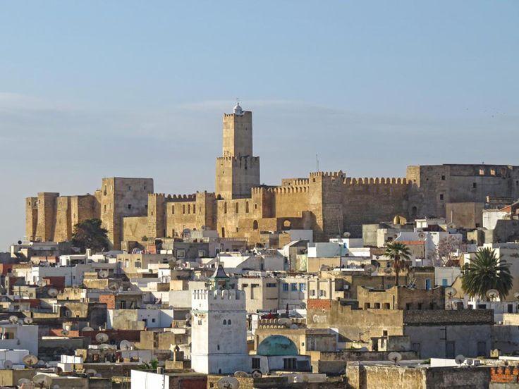 Sousse é a capital da região do Sahel, o litoral ocidental da Tunísia. Sahel, significa litoral em árabe, e é uma das regiões mais importantes na Tunísia.