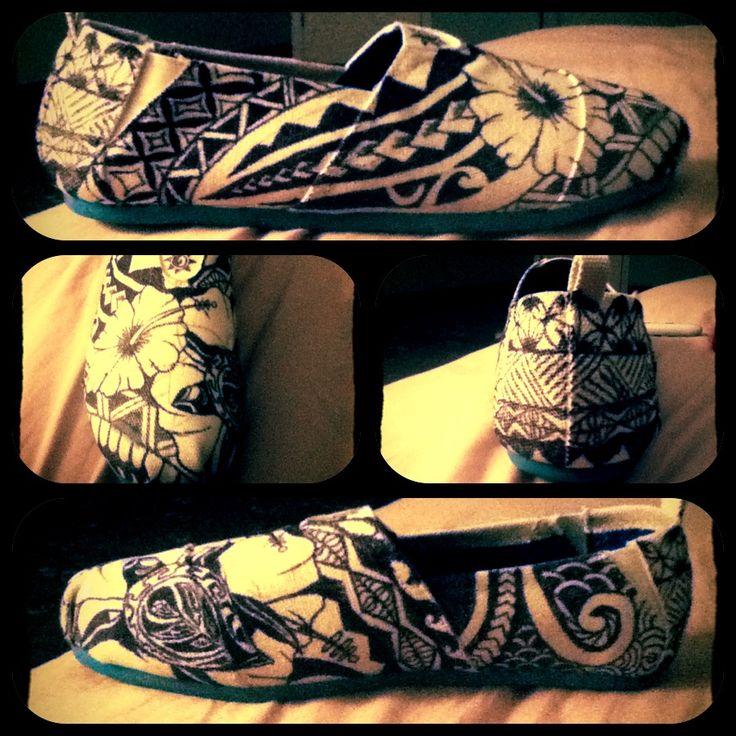 Hawaiian tribal sharpie shoe!  All i gotta do now is do the other shoe!  Im lovin it!:D