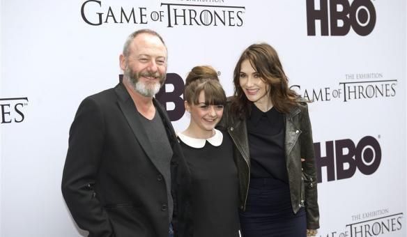 images of game of thrones | Op de foto met ijzeren troon Game of Thrones — Wel.nl