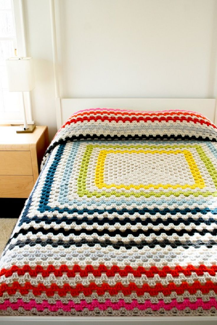 [Free Pattern] This Crochet Blanket Is Simply An Enormous Granny Square. Patterns For Four Different Sizes Included