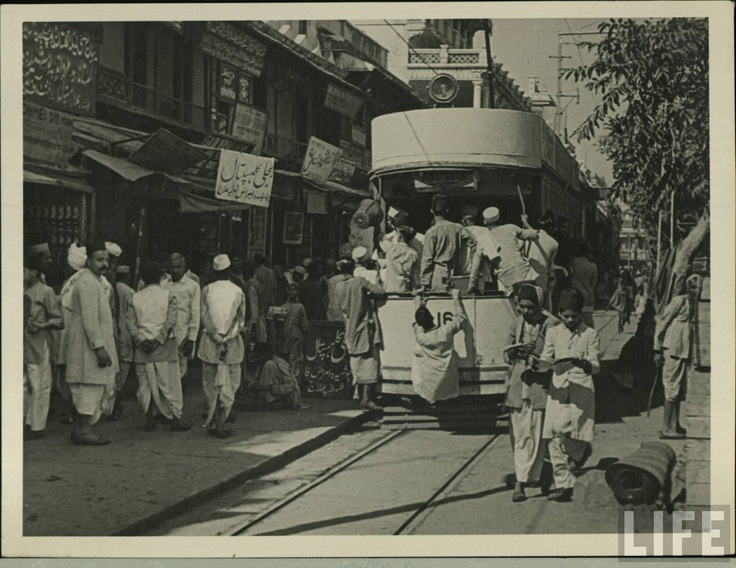 Delhi once had a tram service which started on  March 6, 1908 and by 1921 there were 15 kms of tracks and 24 cars. The system was closed in ca. 1963...  Image Source: LIFE Archive