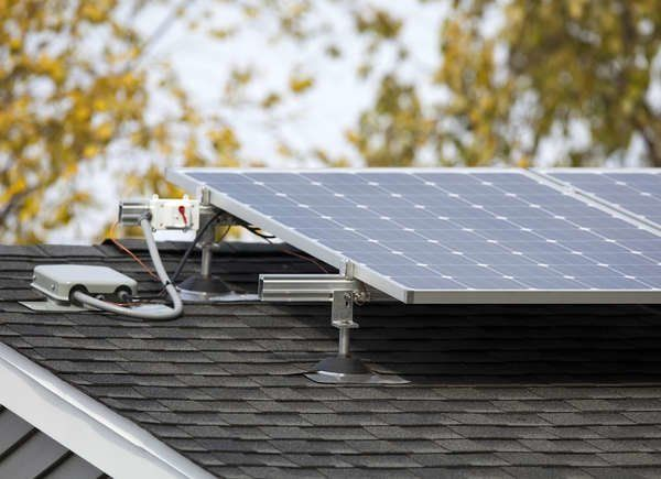 I Installed Solar Panels On My Roof And Here S What Happened Solar Panels Solar Installation Solar