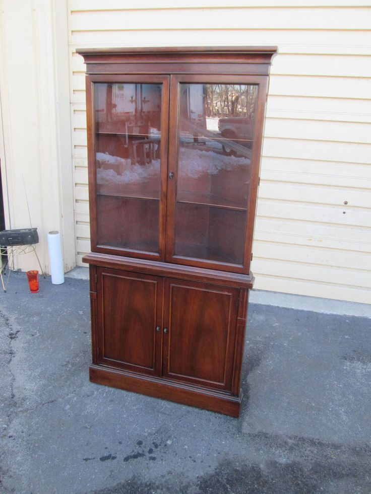 55208 antique mahogany china cabinet curio chippendale. Black Bedroom Furniture Sets. Home Design Ideas