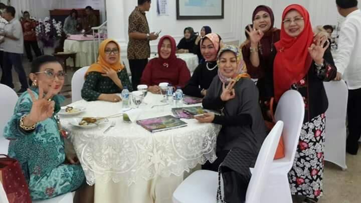 Waaah Istri Wapres Jusuf Kalla Terang-terangan Dukung Anies Sandi