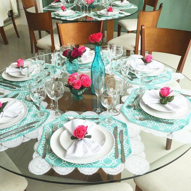 mesa para o dia das mães - idéia de decoração com azul piscina e pink