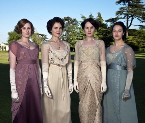 """""""Long Dresses for a Look That's Casual or Elegant  The ladies of Downton Abbey are usually dressed to impress. But it's possible to find empire-waist dresses and long dresses in a variety of styles that have a bit of pre-World War I British flair..."""": Edwardian Fashion, Google Search, Dep, Abbey Fashion, Periodic Costumes, Downtown Abbey, The Dresses, Downton Abby, Downton Abbey"""